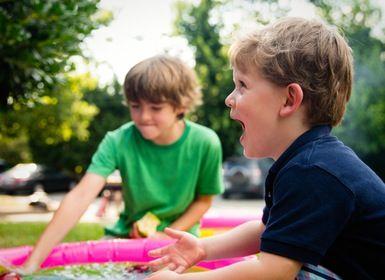 Hogyan szórakoztatni a gyermekeket az ünnepség alatt