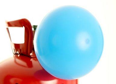 Hány lufi fújható fel egy hélium palackból?