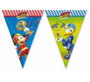 Zászlófüzér Mickey és az autóversenyzők